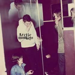 arctic monkeys humbug cover portada