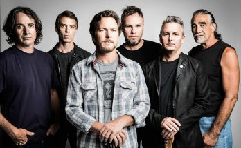 pearl jam two door cnema club nos alive